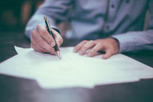 豐富商業文件翻譯經驗